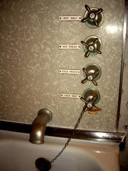 BathtubFaucetsQM(bl).jpg