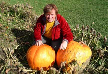 IanBigPumpkins(bl).jpg