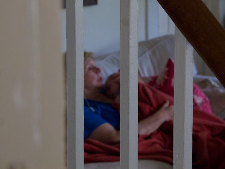 LindaAndrewFarmSleep(bl).jpg