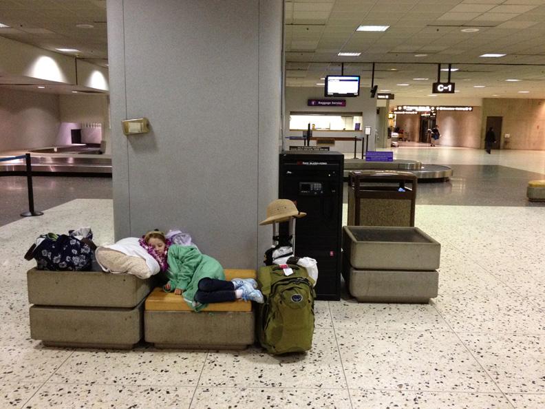 LucyHonoluluAirport(bl).jpg