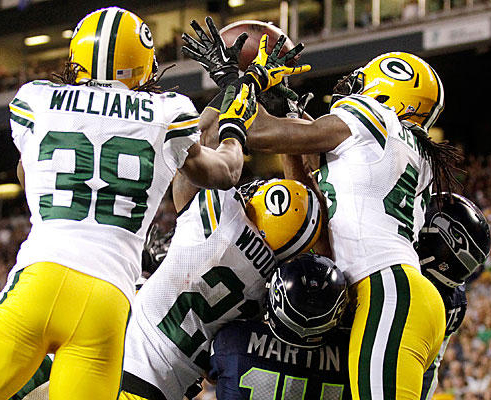 Packers-Seahwaks-scrum.jpg