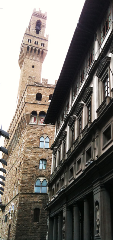 PalazzoVecchioAlley(bl).jpg