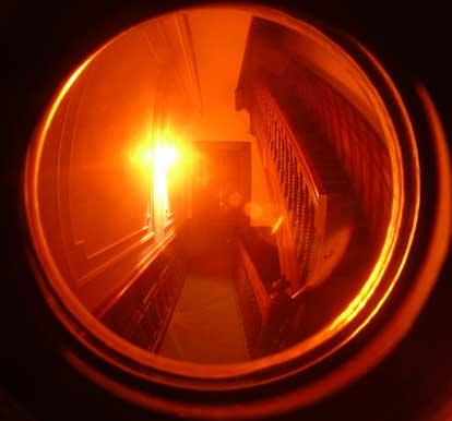 Peephole2(bl).jpg