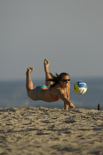 misty-may-treanor-dives.jpg